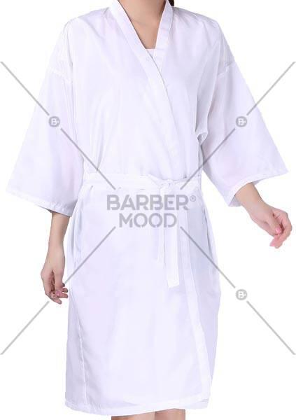 Düz Beyaz Kimono - BM- kmn 007 ürünü kuaför ve berberlerin en çok tercih ettiği personel önlüğüdür.